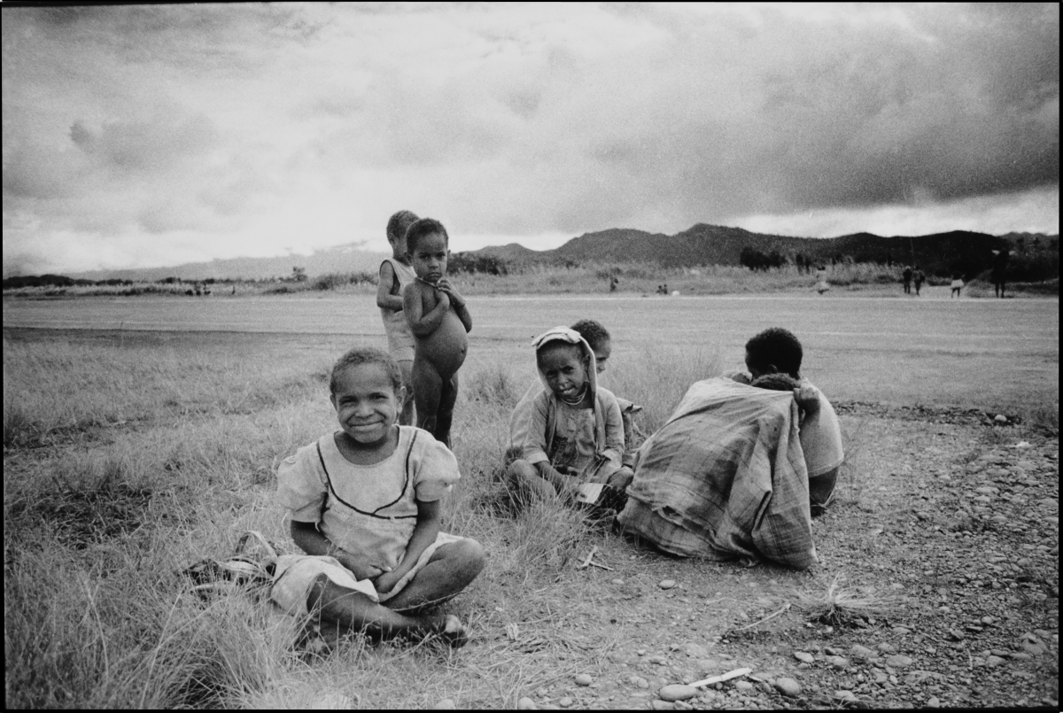 Children at airstrip wamena